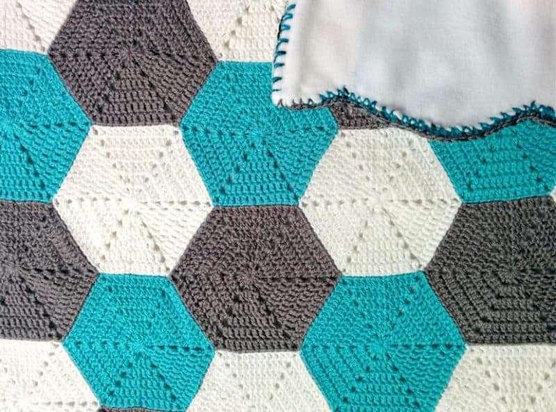 hexagon-baby-blanket-2