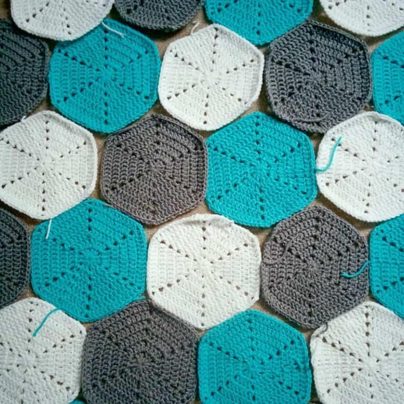 hexagon-baby-blanket-hexes