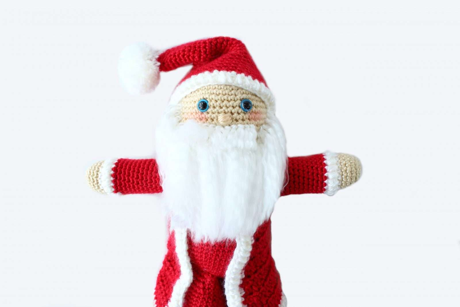 Crochet Santa Claus Plushie: Free Crochet Christmas Pattern
