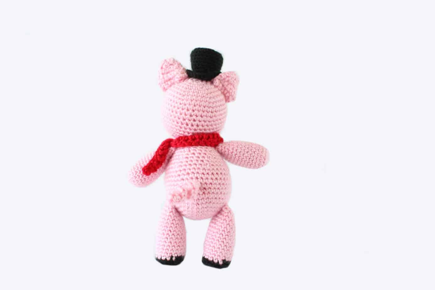 peter the amigurumi piglet