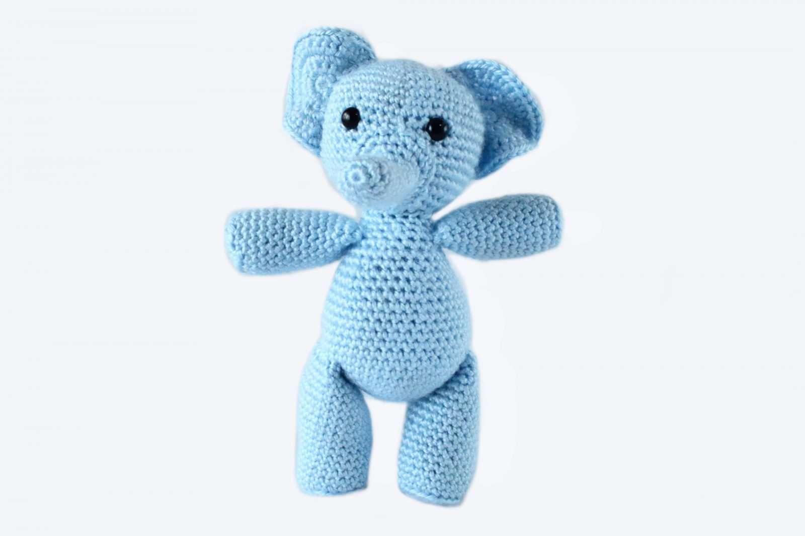 Cuddle Me Elephant crochet pattern - Amigurumi Today | 1067x1600