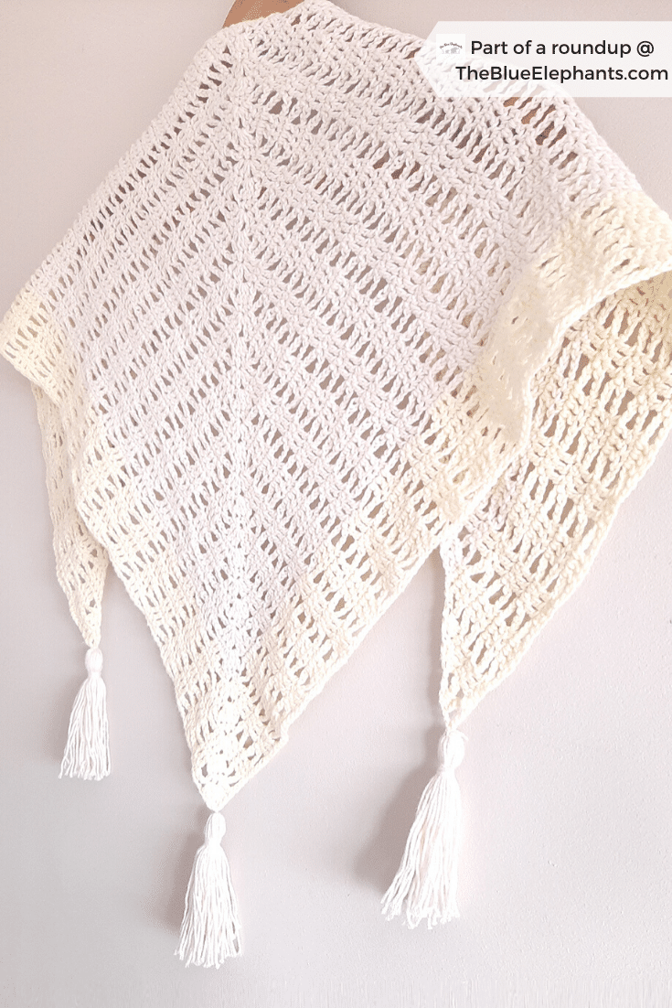 Find the perfect gift for mom with this round up of Mother's Day crochet patterns! From cozy scarves to luxurious baths sets, there's something for everyone